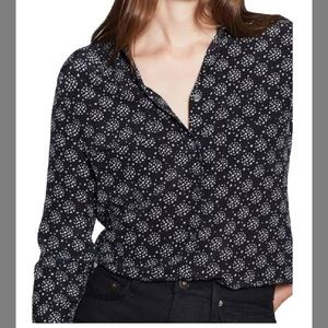 Equipment Slim Signature Blouse in Star Print